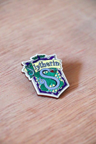 Harry Potter - Slytherin - Hand-painted Wooden Lapel Pin